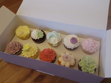 【完売しました】母の日フラワーカップケーキ、ティーバッグ1箱プレゼント